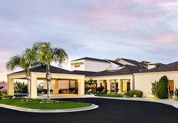 Courtyard by Marriott Fresno