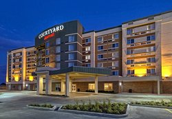 Courtyard by Marriott Westbury Long Island