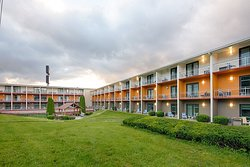 Clarion Inn & Suites- Chambersburg