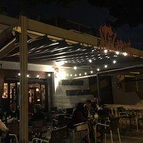 Cafe Pub Akelarre