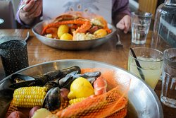 muscles and snow crab steam pot with potatoes and corn- Gluten free without the sausage