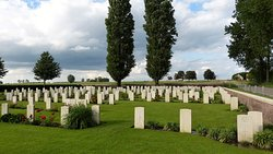 Zicht op begraafplaats Spoilbank Cemetery - Zillebeke 20180426