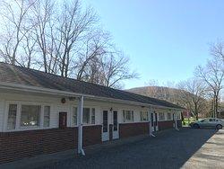 Dutchess Motor Lodge