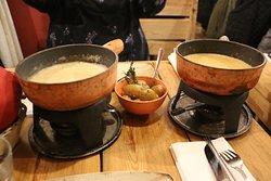 Swiss and Israeli Cheese Fondue