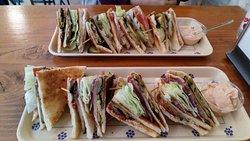 Sandwich Club 122