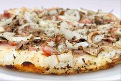 Nuestra pizza carbonara