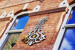 Sarpech Wine Bar & Restaurant
