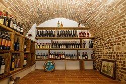 La nostra Cantina - Our wine cellar