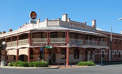‪Royal Hotel Corowa‬