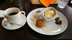Cafe Fuwatton