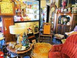 Decades Antiques