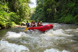 Four Seasons Private Rafting Discovery