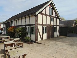 Lovely Pub accommodation and attractive gardens