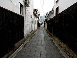 小路にもきちっとした城下町の面影が残る