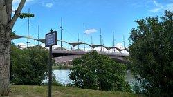El puente desde el Paseo de Ntra. Sra. de la O