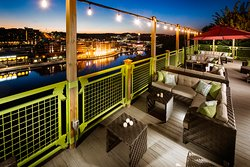 The SKY Deck at Parakeet Pete's Waterfront Zipline