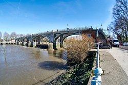 Richmond Lock and Weir