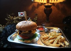 Mil's Burger