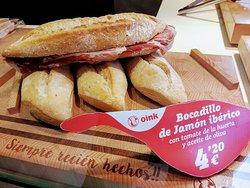 Большой сендвич с хамоном