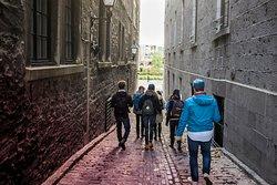 Old Montreal Walking Tour - Alleyway
