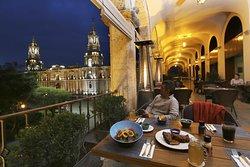 La Plaza Bar & Grill