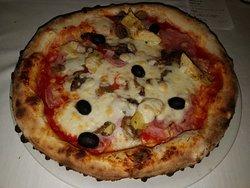 Ristorante Pizzeria La Roccia