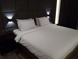 De Lobby Suite Hotel