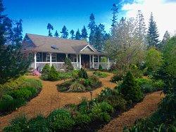 Little Bear Garden View B&B
