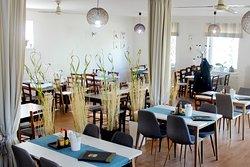 Persia Restaurant & Pizzeria