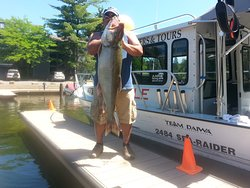 Howe's Fishing – A Able/Mo Fisch Charters and Tours