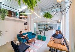 Lala's Coworking de Beleza & Cafe