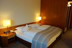 Room 1009