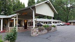 Dunsmuir Lodge