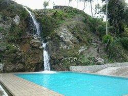 Gibeon Hill Waterfall