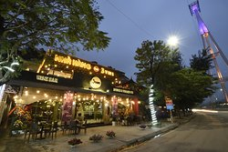 3Vins Restaurant & Wine Bar