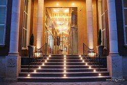 Centriplaza Hotel Suite & Spa