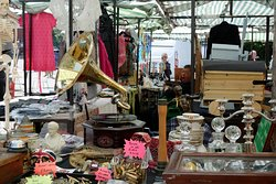 ‪The Greenwich Vintage Market‬