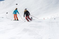 Adult private lesson with Oxygene ski school - cours de ski privé adulte Oxygène