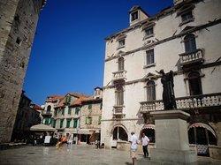 Cindro Palace