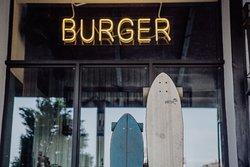 "Burger Bar ""Kak Mi Lyubim"""