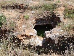 Late Minoan Tholos Tomb