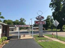 J & M Motel