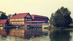 Medvezhyi Ozera Country Club