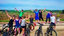 Randonnée à vélo sur la Côte de Nuits, Bourgogne. Burgundy Bike Tours.