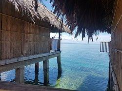 Cabaña sobre el mar
