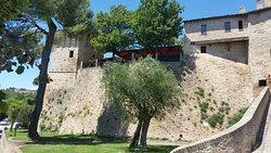 Castello di Montegridolfo