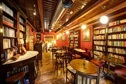 Plous bookshop & coffee