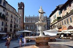 Madonna Verona Fountain
