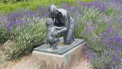 """Statue """"Mutter und Kind"""""""