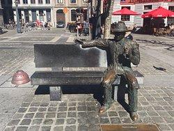 Statue de Georges Simenon